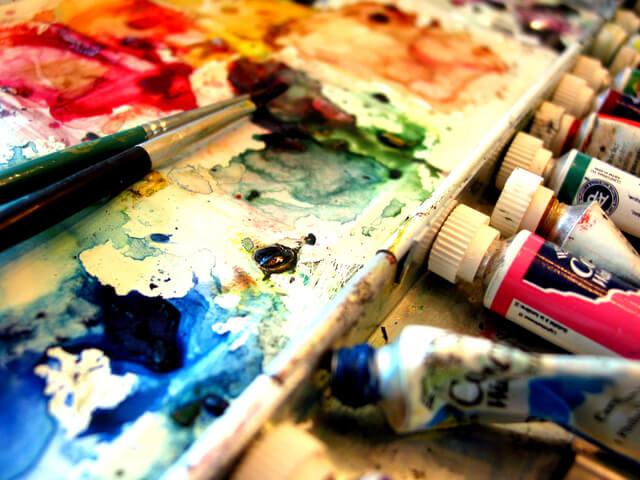 stills-of-an-artist-s-world-6-1546356-640×480
